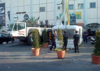 34810_צוות רום אויר בהתקנת צילר