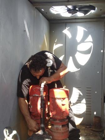34832_חיבור משאבת מים בצילר CARRIER