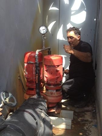 34837_טיפול במשאבות מים בצילר 100 טון